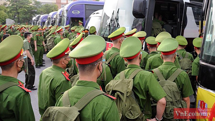 650 cán bộ, học viên Cảnh sát xuất quân chi viện cho miền Nam chống dịch - Ảnh 5