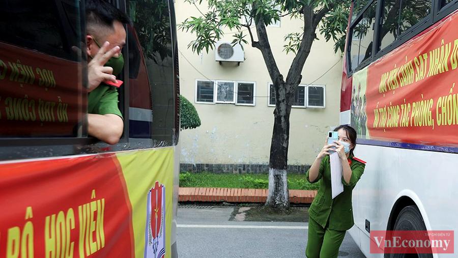 650 cán bộ, học viên Cảnh sát xuất quân chi viện cho miền Nam chống dịch - Ảnh 6