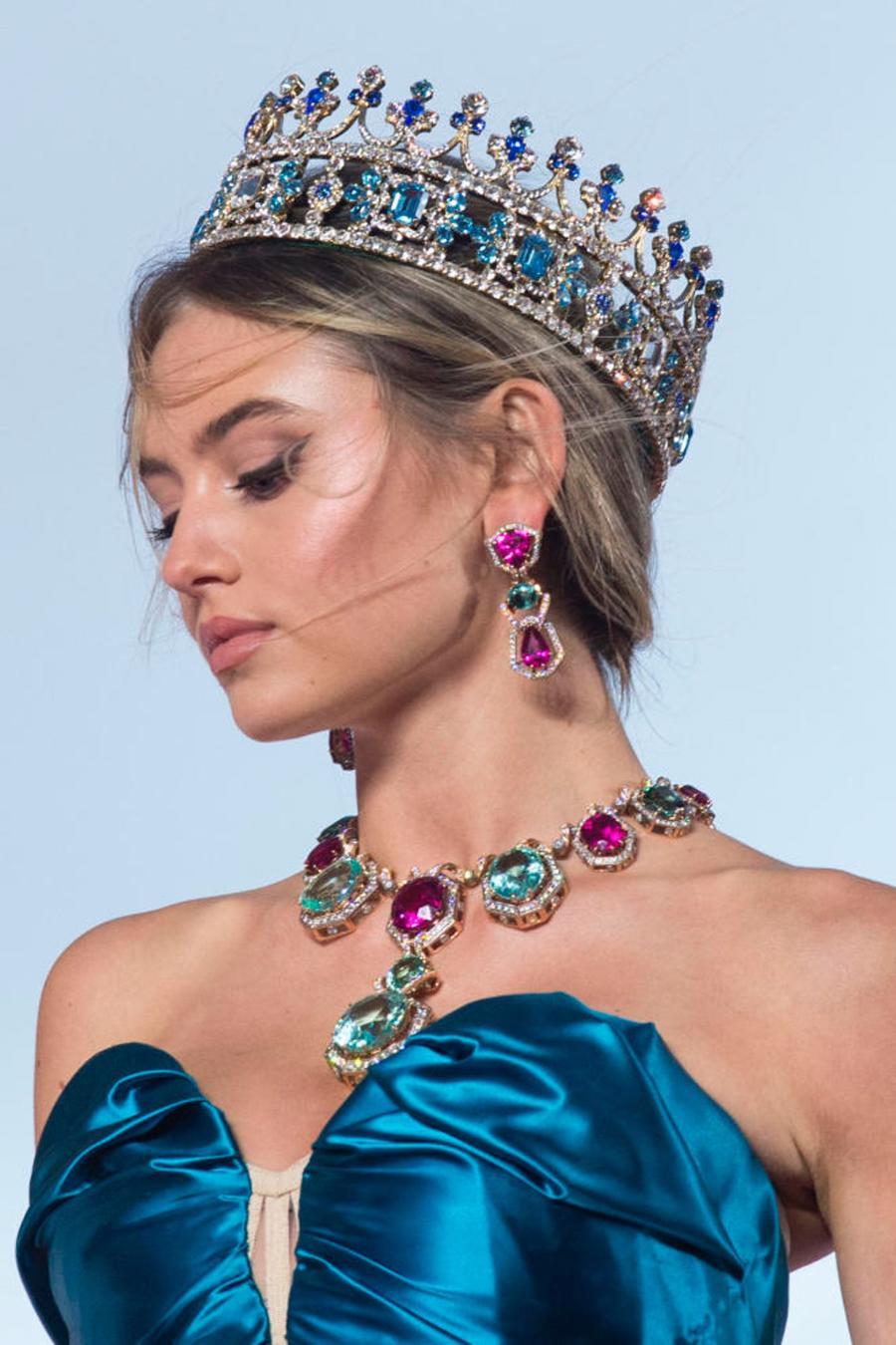 Thế giới chứng kiến những gì sau bữa tiệc xa hoa của Dolce & Gabbana? - Ảnh 4