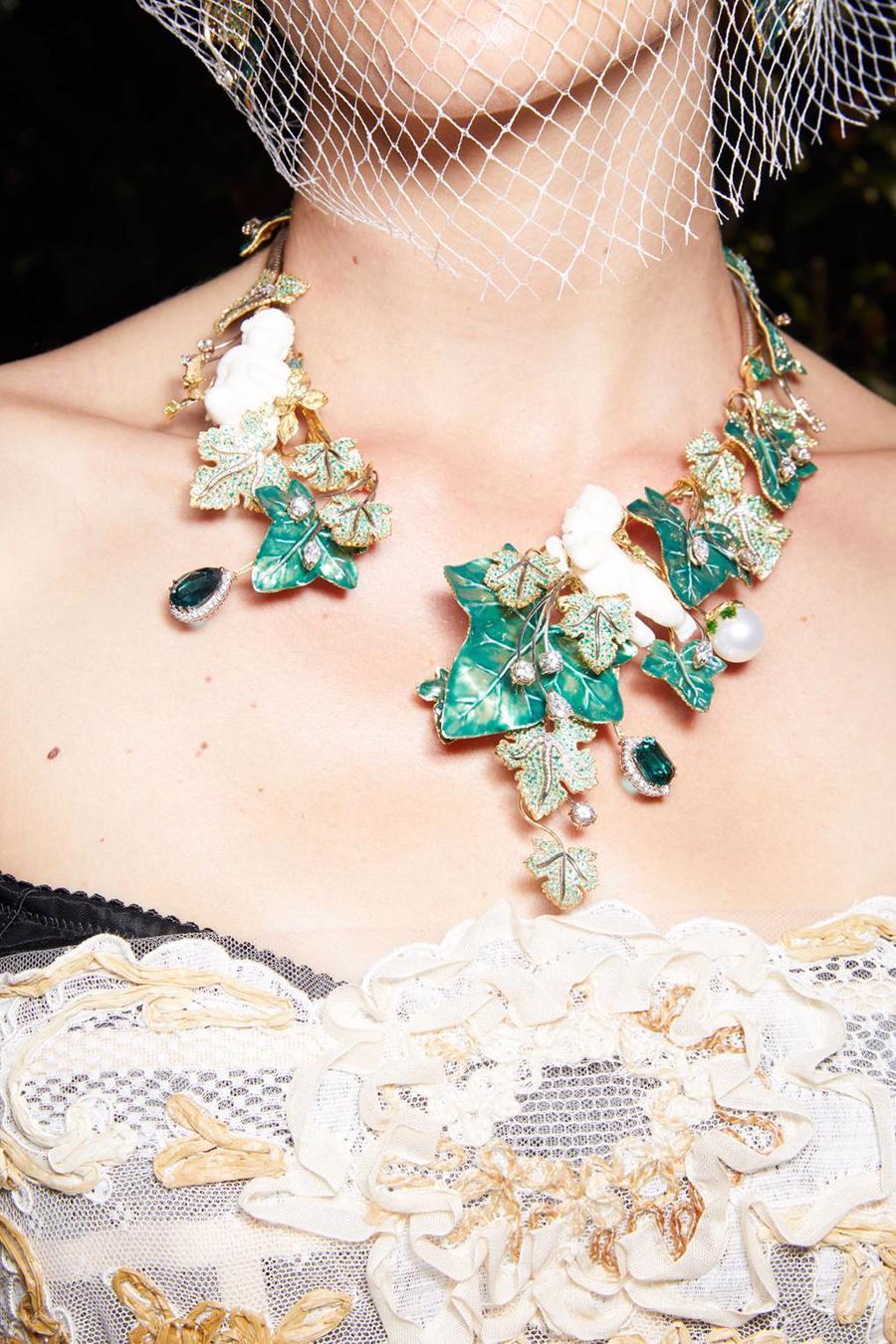 Thế giới chứng kiến những gì sau bữa tiệc xa hoa của Dolce & Gabbana? - Ảnh 3