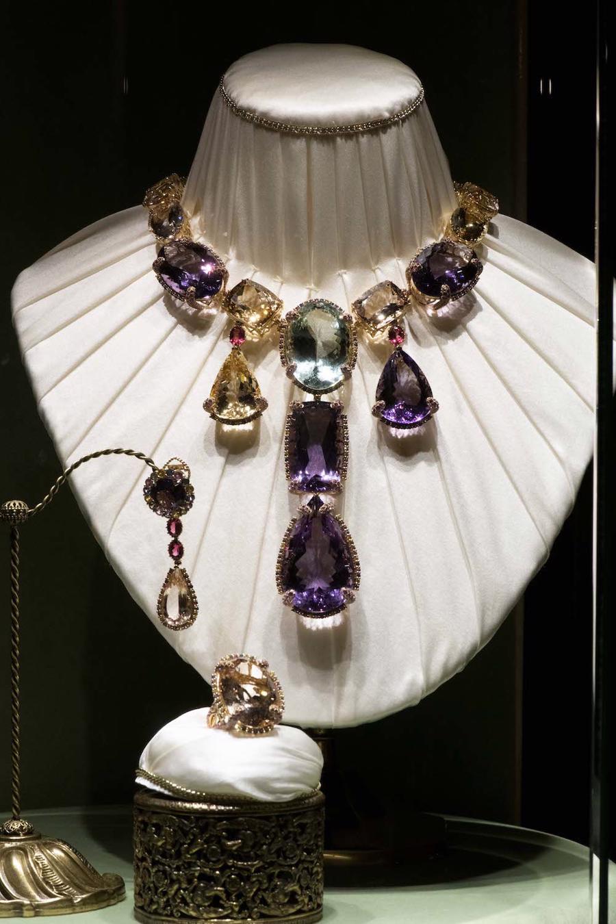 Thế giới chứng kiến những gì sau bữa tiệc xa hoa của Dolce & Gabbana? - Ảnh 1