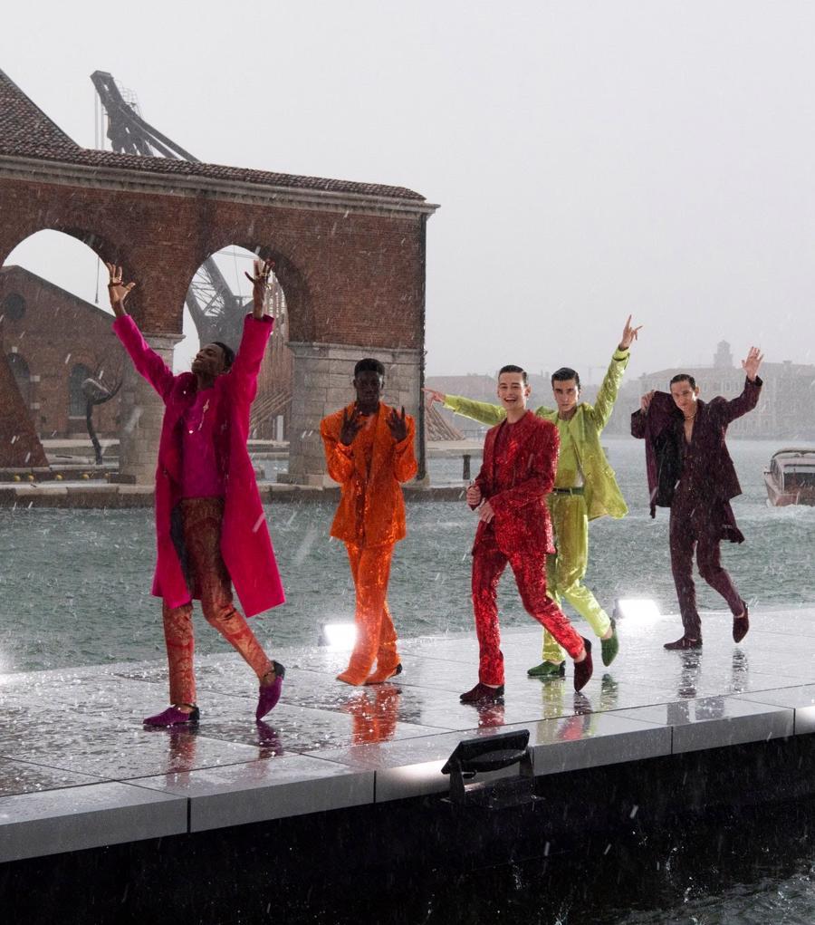 Thế giới chứng kiến những gì sau bữa tiệc xa hoa của Dolce & Gabbana? - Ảnh 5