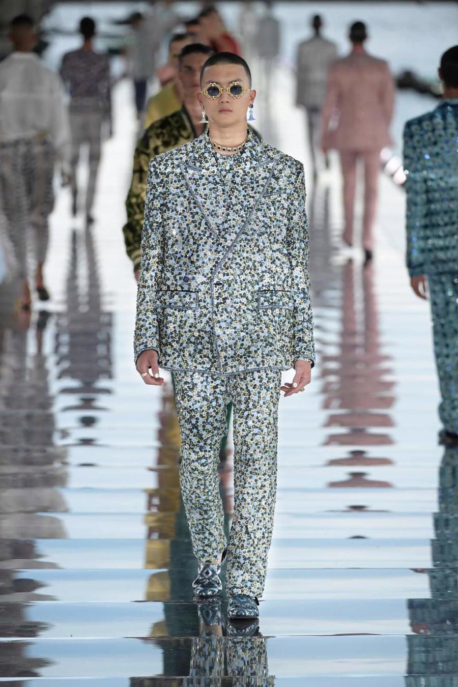 Thế giới chứng kiến những gì sau bữa tiệc xa hoa của Dolce & Gabbana? - Ảnh 16