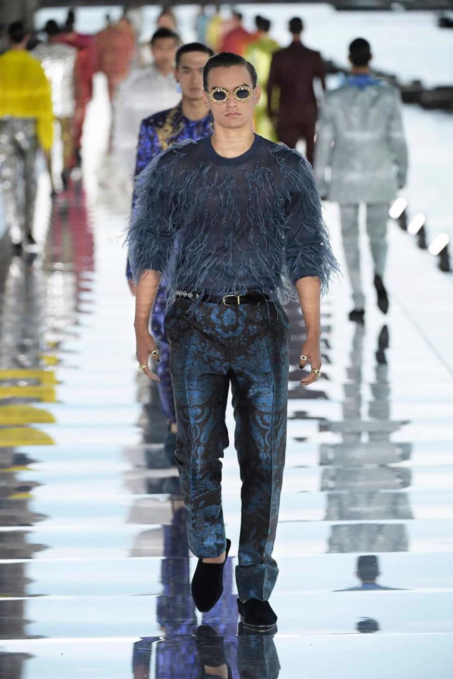 Thế giới chứng kiến những gì sau bữa tiệc xa hoa của Dolce & Gabbana? - Ảnh 10
