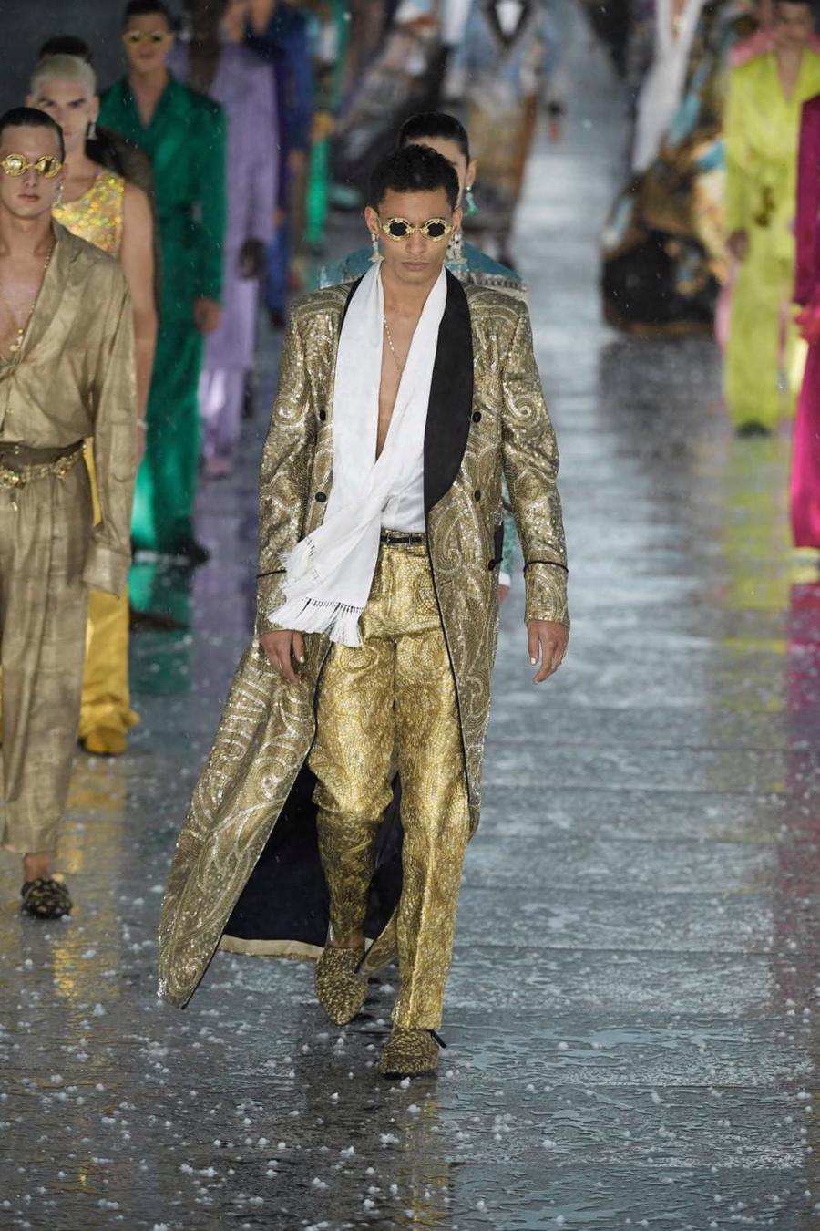 Thế giới chứng kiến những gì sau bữa tiệc xa hoa của Dolce & Gabbana? - Ảnh 15