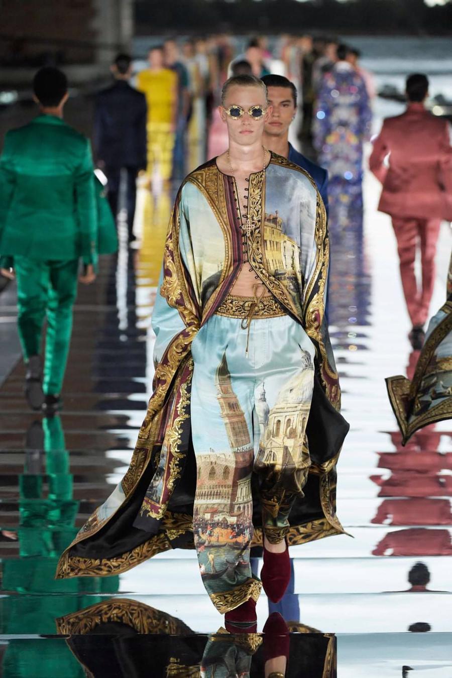 Thế giới chứng kiến những gì sau bữa tiệc xa hoa của Dolce & Gabbana? - Ảnh 14