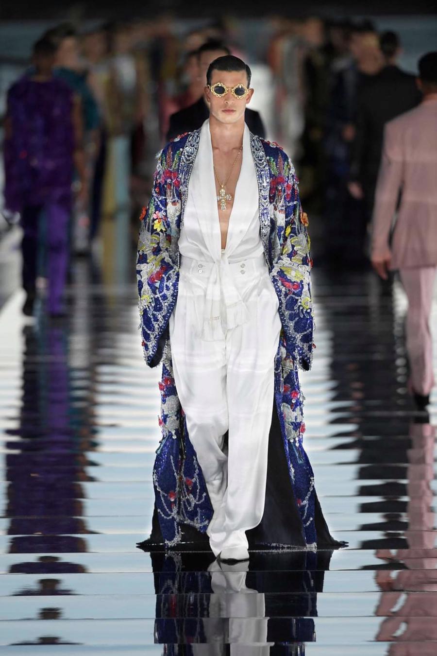Thế giới chứng kiến những gì sau bữa tiệc xa hoa của Dolce & Gabbana? - Ảnh 13