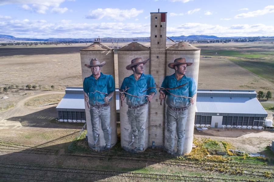 Nghệ thuật Silo đã kéo gần lại những vùng xa xôi của nước Úc thành một phòng trưng bày sắp đặt ngoài trời dài đến 200km trên một vùng rộng lớn.