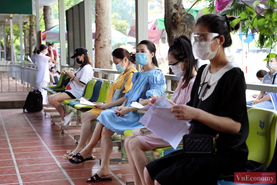 Đây là hoạt động nằm trong đợt tiêm vaccine phòng Covid-19 cho toàn bộ người dân từ 18 tuổi trở lên của thành phố Hà Nội.