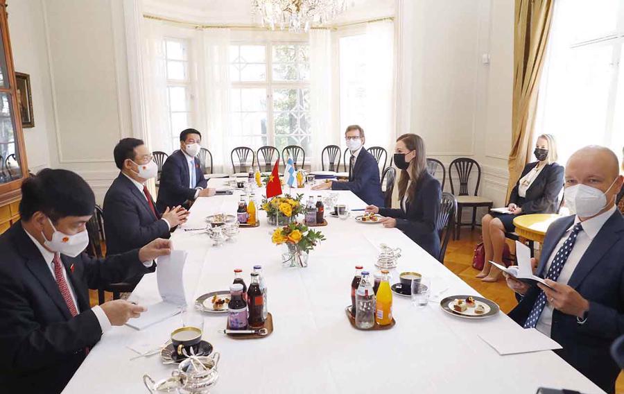 Chủ tịch Quốc hội Vương Đình Huệ hội kiến với Thủ tướng Cộng hoà Phần Lan Sanna Marin