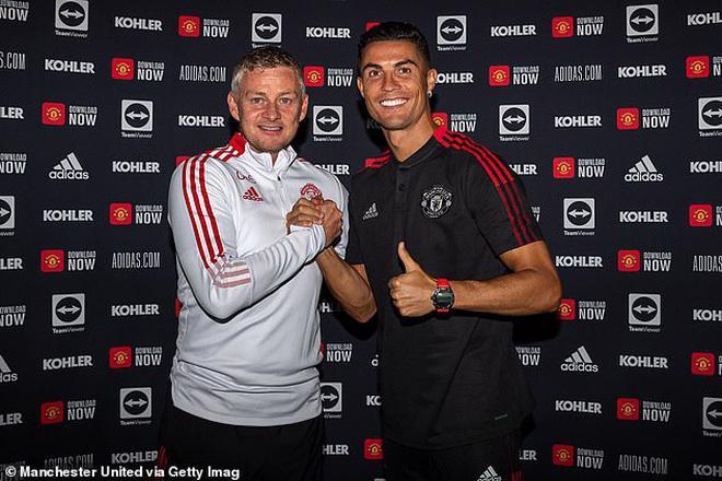 Trước trận ra mắt của Ronaldo, doanh thu bán áo số 7 của MU lập kỷ lục - Ảnh 1