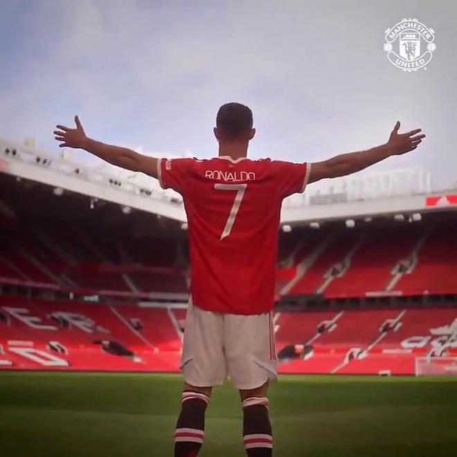 Hiện chiếc áo số 7 của Cristiano Ronaldo đang dẫn đầu doanh số bán hàng tại Ngoại hạng Anhmùa giải 2021 - 2022.