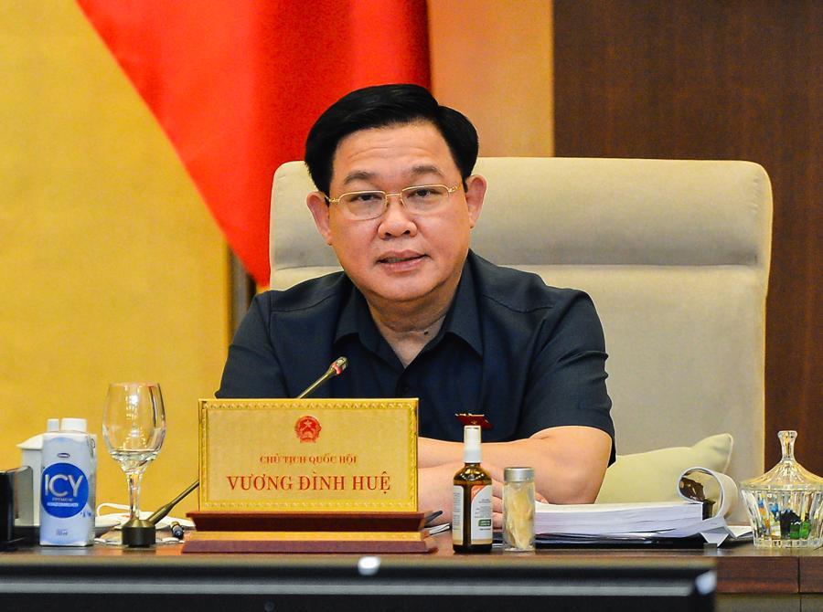 Chủ tịch Quốc hội Vương Đình Huệ cho ý kiến tại phiên họp - Ảnh: Quochoi.vn