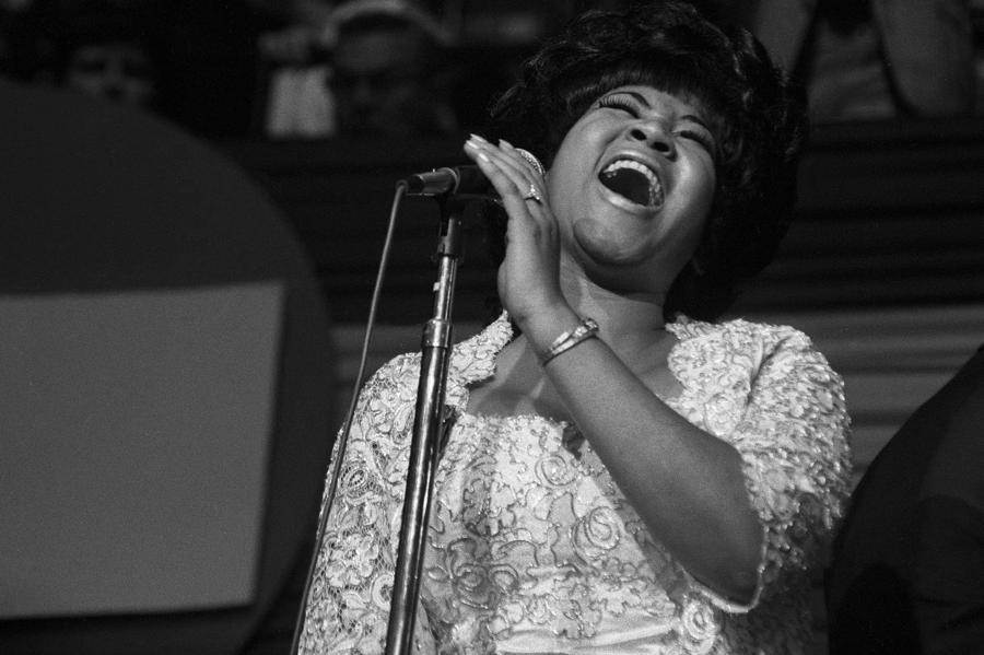 """Aretha Franklinđược mệnh danh """"nữ hoàng nhạc soul"""" sau ca khúc Respect."""