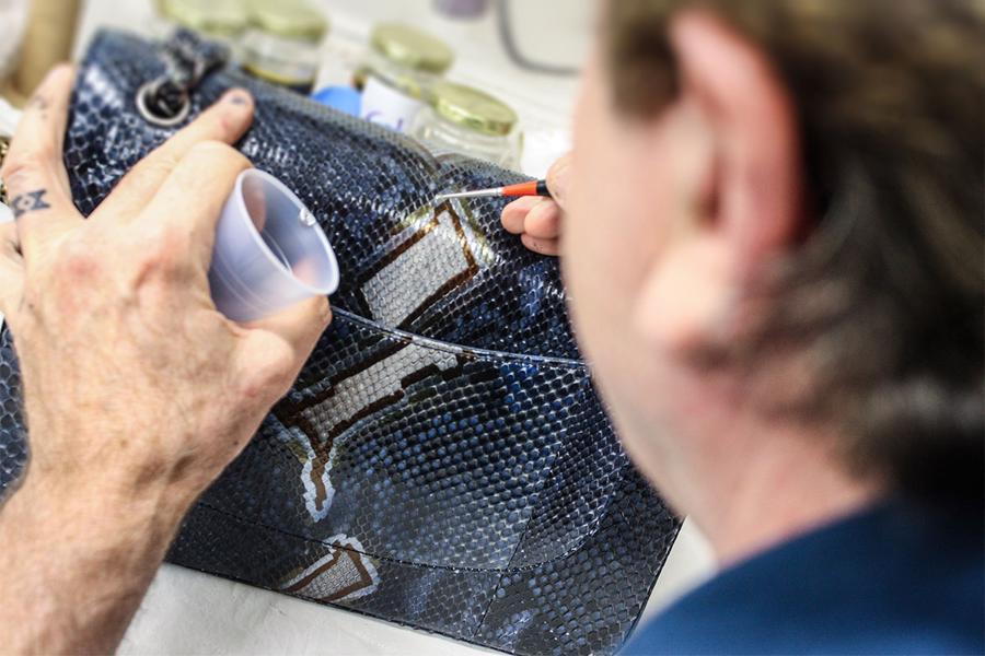 """Nhiều phụ nữ đã bắt đầu mang những chiếc túi xách của họ gửi đi """"spa"""" khi dự đoán sắp được quay lại làm việc hoặc đi du lịch, dự tiệc."""