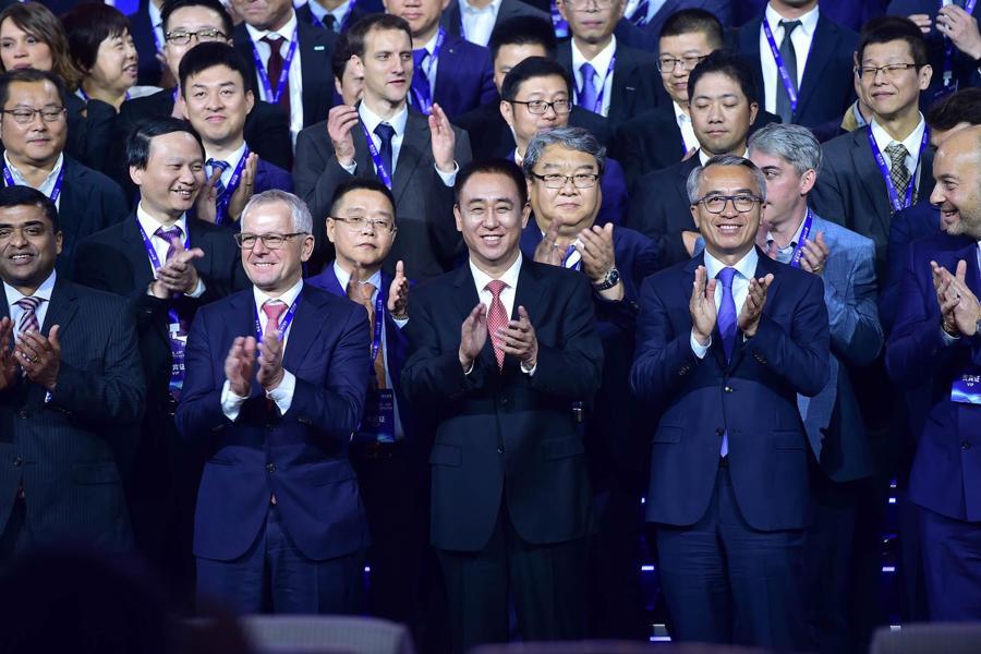 Chủ tịch Evergrande Hứa Gia Ấn tại một sự kiện về ô tô điện vào năm 2019 - Ảnh: Getty/Bloomberg.