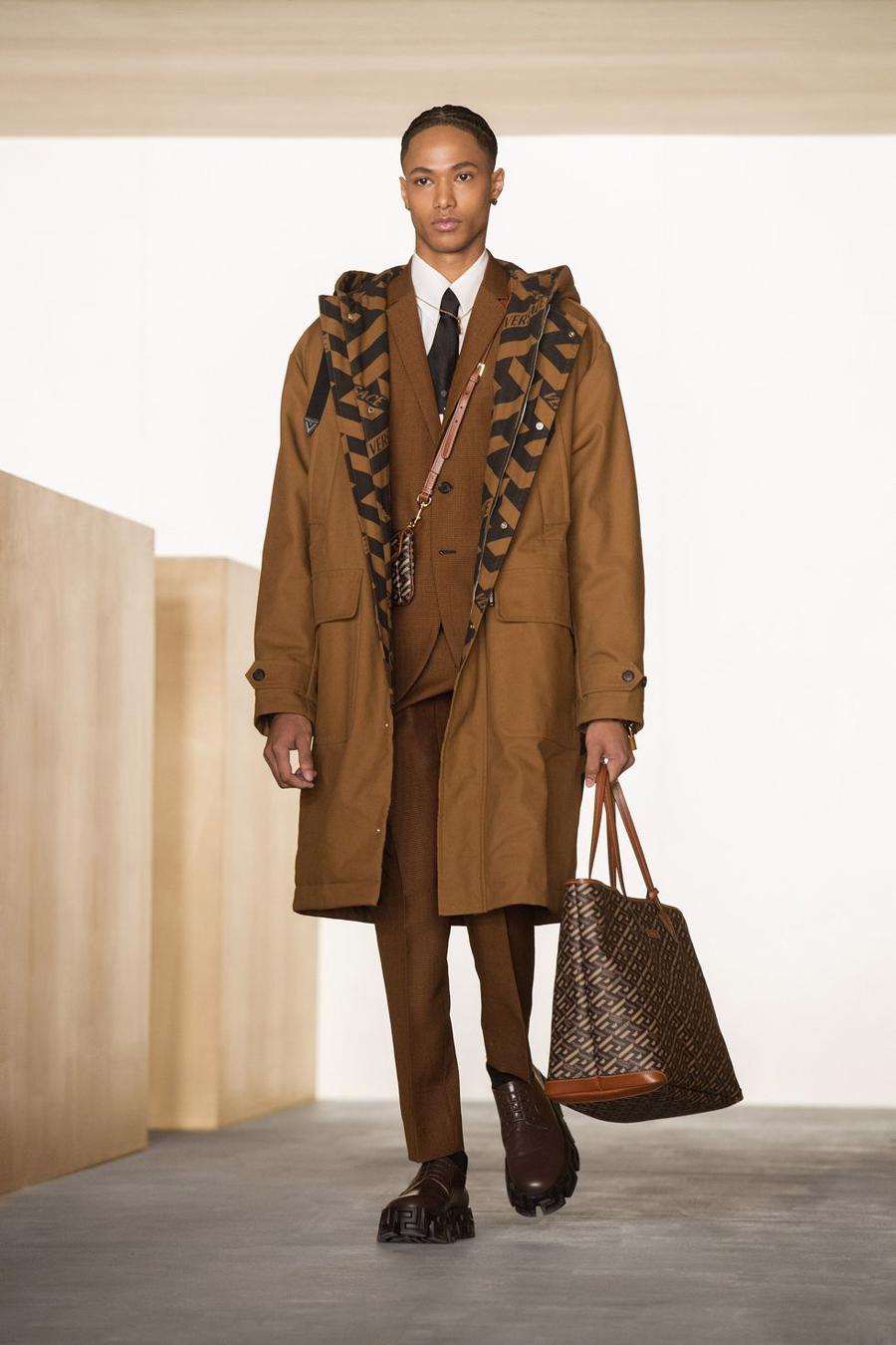 BST thu đông của Versace thanh lịch với hoạ tiết monogram La Greca - Ảnh 14