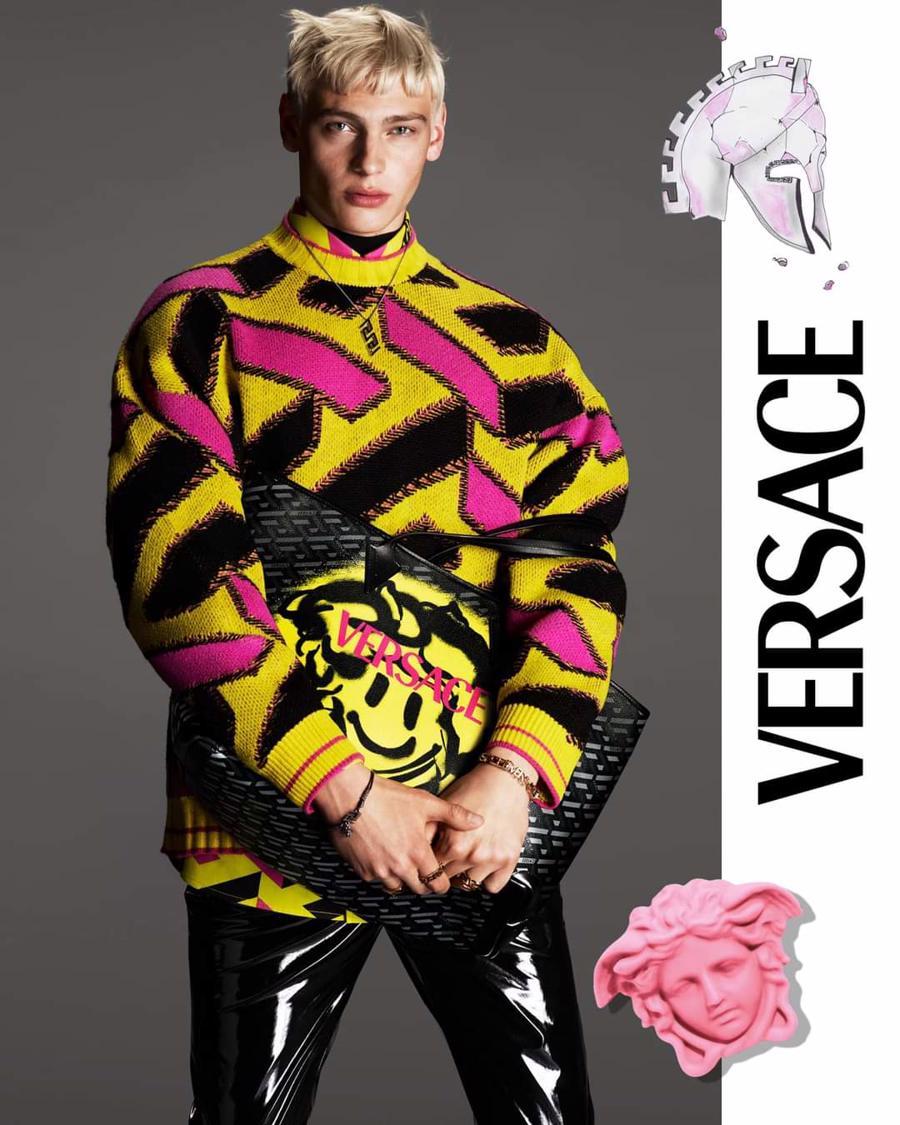 BST thu đông của Versace thanh lịch với hoạ tiết monogram La Greca - Ảnh 8