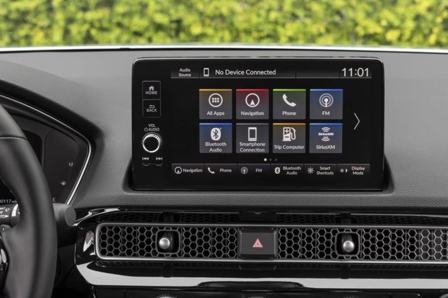 Android Automotive là hệ điều hành được mô phỏng theo hệ điều hành di động nguồn mở chạy trên Linux nhưng thay vì chạy trên điện thoại thông minh và máy tính bảng, Google đã sửa đổi để có thể được sử dụng trong xe hơi.