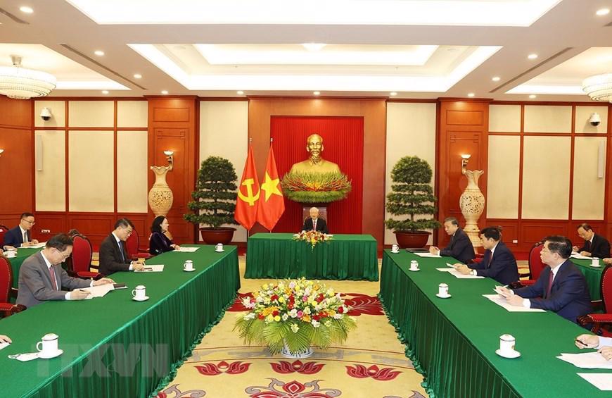 Tổng Bí Thư cũng đề nghị Trung Quốc tiếp tục tạo điều kiện để thương mại hai nước phát triển cân bằng hơn - Ảnh: TTXVN