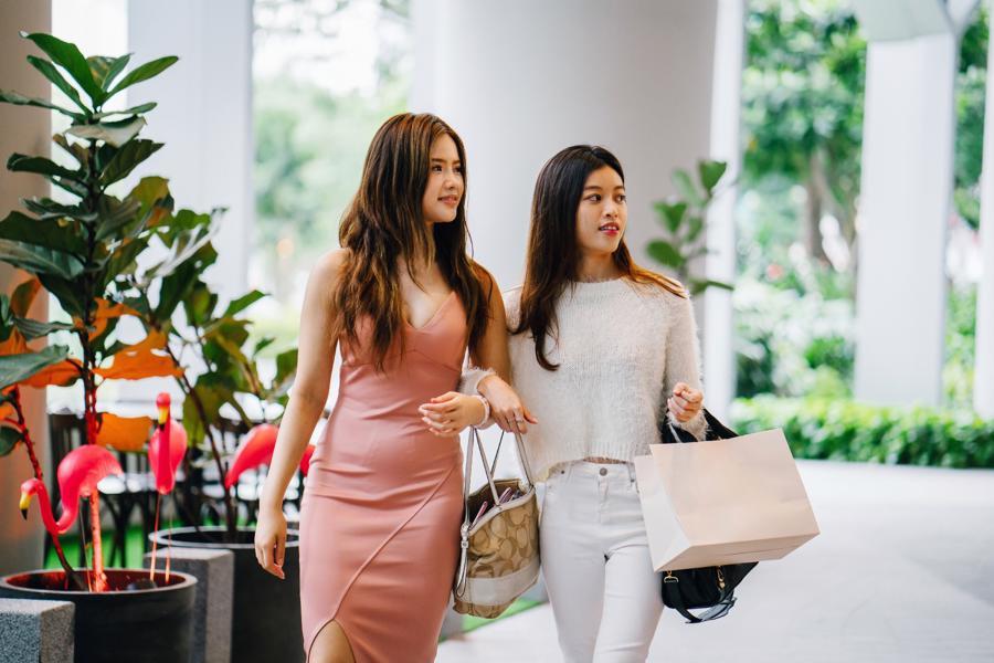 Do các lệnh hạn chế du lịch, hiện nay khách hàng tại Việt Nam chủ yếu mua sắm các đồ dùng xa xỉ trong nước.