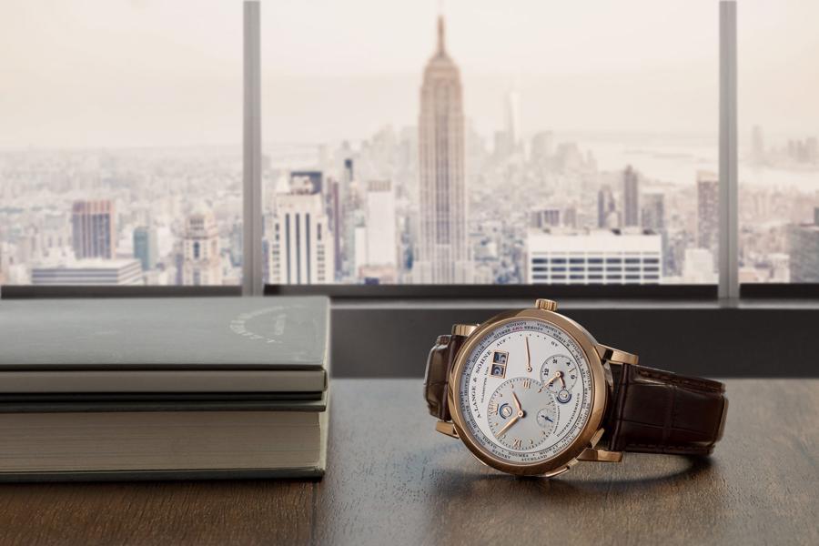 Bốn mẫu đồng hồ Travel Time cho những người đam mê xê dịch - Ảnh 1
