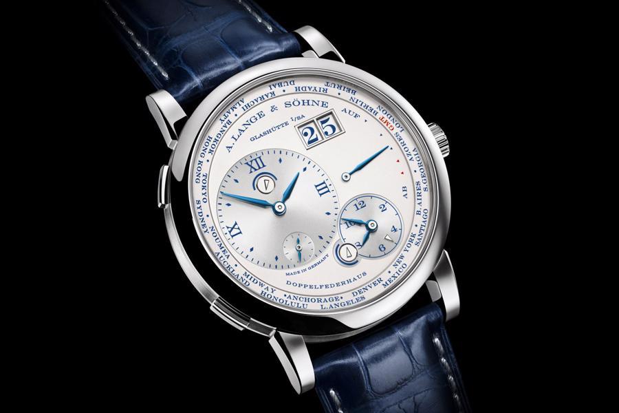 Bốn mẫu đồng hồ Travel Time cho những người đam mê xê dịch - Ảnh 2