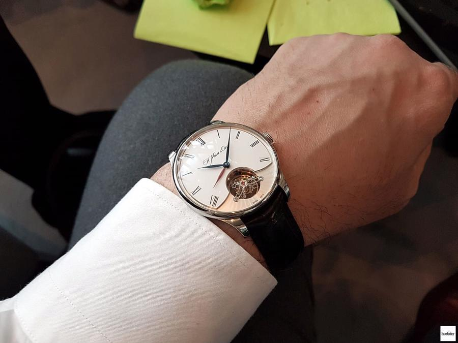 Bốn mẫu đồng hồ Travel Time cho những người đam mê xê dịch - Ảnh 6
