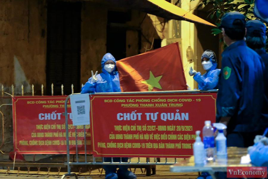 Dỡ bỏ phong tỏa hai ngõ Thanh Xuân Trung sau hơn một tháng cách ly y tế - Ảnh 6