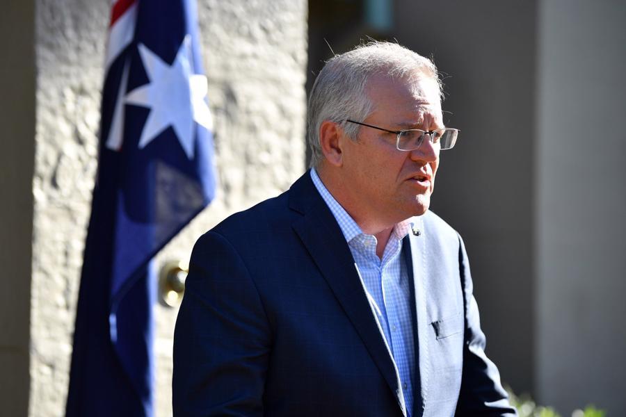 Ông Scott Morrison là thủ tướng thứ 30 của Australia và được trả lương 395.500 USD, cao gấp 6 lần mức lương bình quân của nước này. Ông Morrison bắt đầu sự nghiệm chính trị với vị trí quản lý chính sách và nghiên cứu tại Hội đồng Bất động sản Australia, sau đó trở thành người đứng đầu Hội đồng Du lịch Australia - Ảnh:EPA-EFE