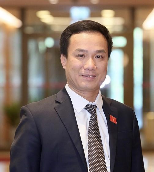 """Chủ tịch Ủy ban nhân dân tỉnh Hải Dương Triệu Thế Hùng:""""Đây cũng là đề án lớn đáp ứng yêu cầu của cuộc cách mạng công nghiệp 4.0, đáp ứng nhu cầu của xã hội, các doanh nghiệp và các thành phần kinh tế""""."""