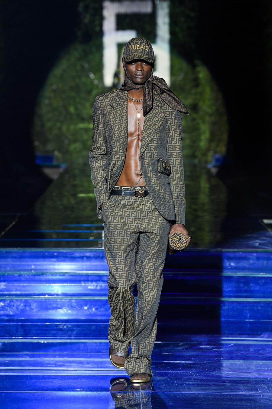 Màn bắt tay lịch sử của hai tập đoàn thời trang xa xỉ đẳng cấp thế giới - Ảnh 15