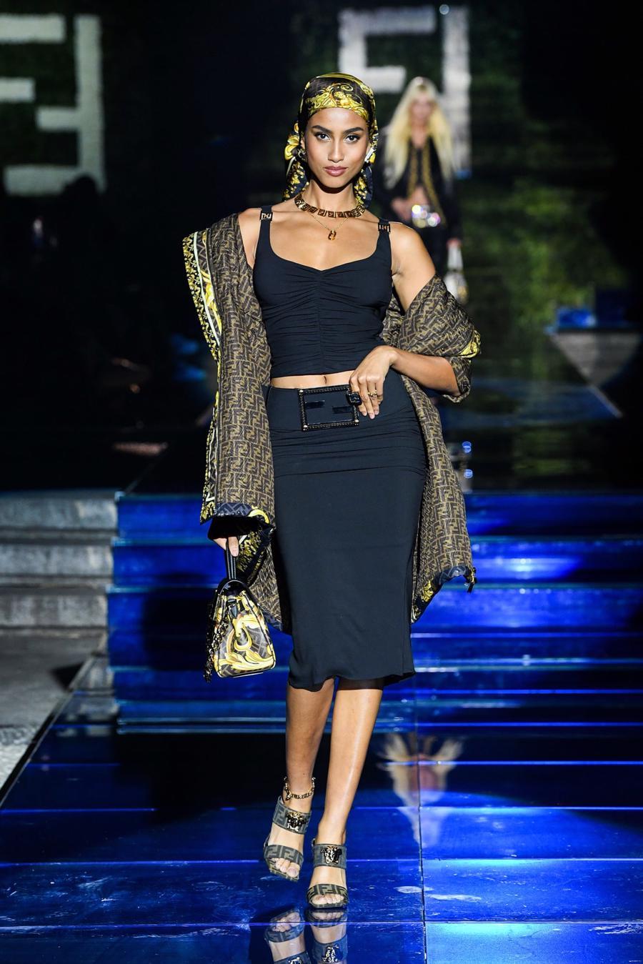 Màn bắt tay lịch sử của hai tập đoàn thời trang xa xỉ đẳng cấp thế giới - Ảnh 18