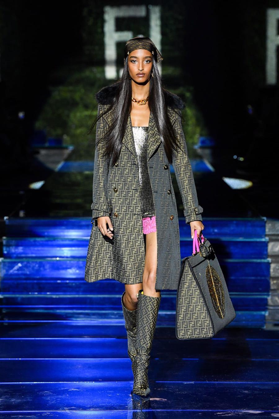 Màn bắt tay lịch sử của hai tập đoàn thời trang xa xỉ đẳng cấp thế giới - Ảnh 12