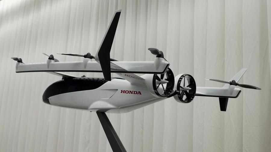 """Honda cho biết sản phẩm """"ô tô bay"""" tương lai của mình sẽ cất và hạ cánh thẳng đứng và chạy điện (eVTOL), nhưng thực ra nó giống một loại máy bay lai hơn."""