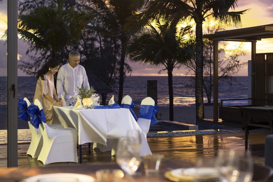 Tận hưởng không gian riêng tư, lãng mạn bên bờ biển cùng người thân.