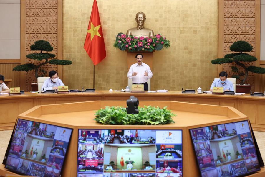 Thủ tướng yêu cầu sớm có chính sách kích thích nền kinh tế - Ảnh: VGP