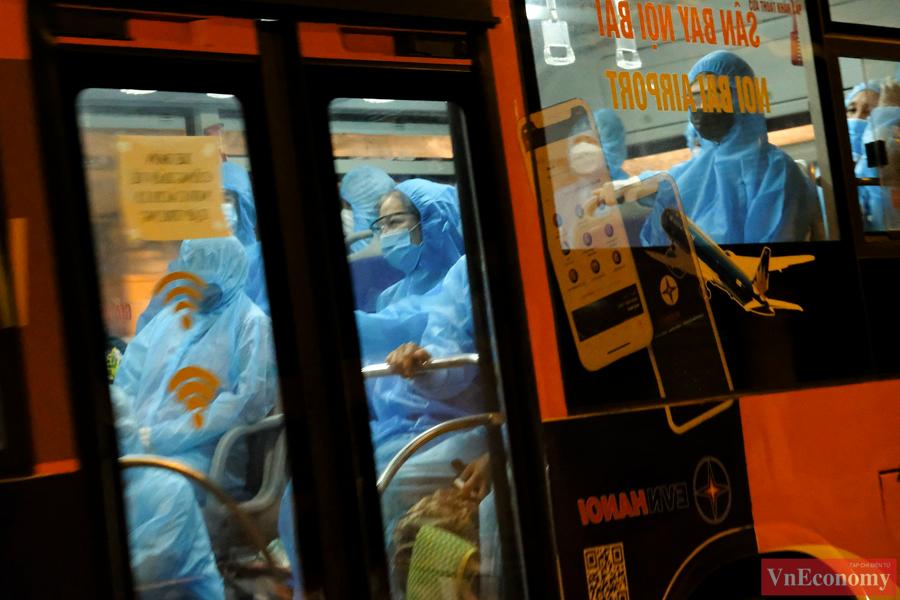 Gần 150 trường hợp F1 tại Bệnh viện Việt Đức được đưa đi cách ly tại trường Đại học Sư phạm Thể dục Thể thao Hà Nội (huyện Chương Mỹ).