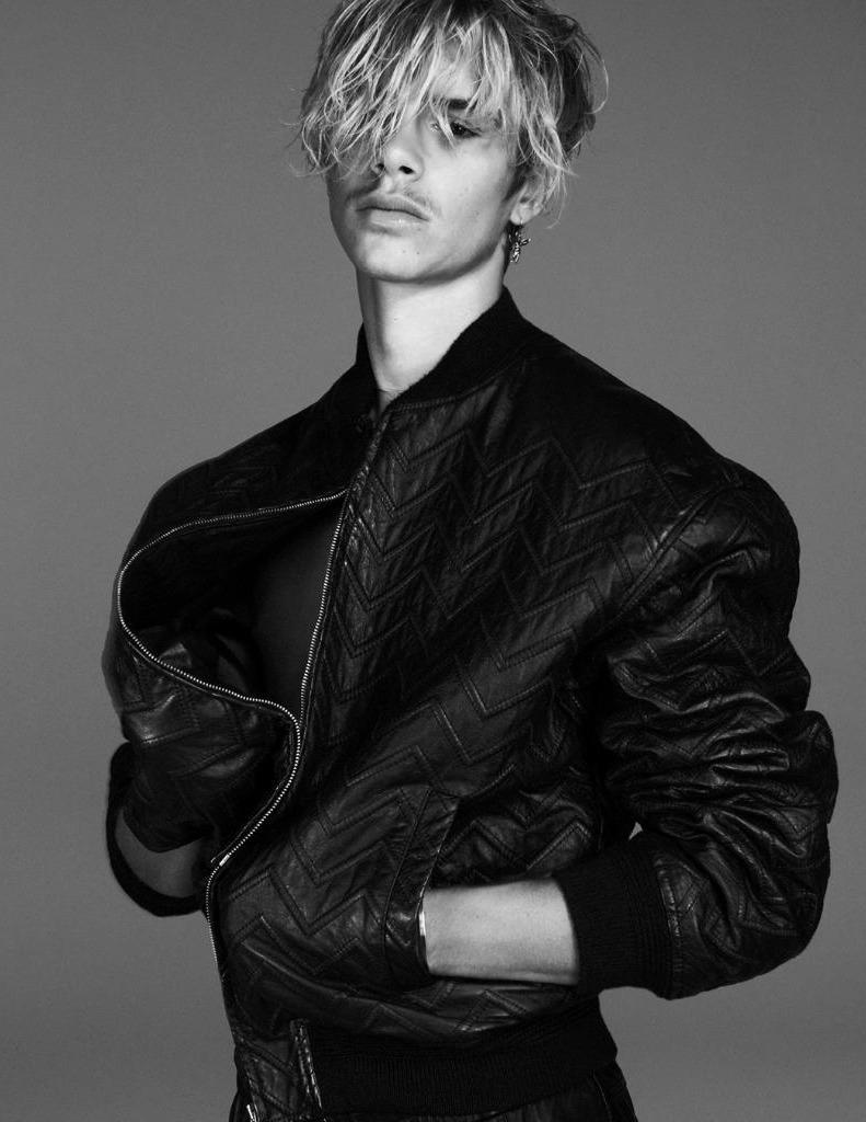 Romeo Beckham là gương mặt đại diện của Saint Laurent Thu – Đông 2021 - Ảnh 2