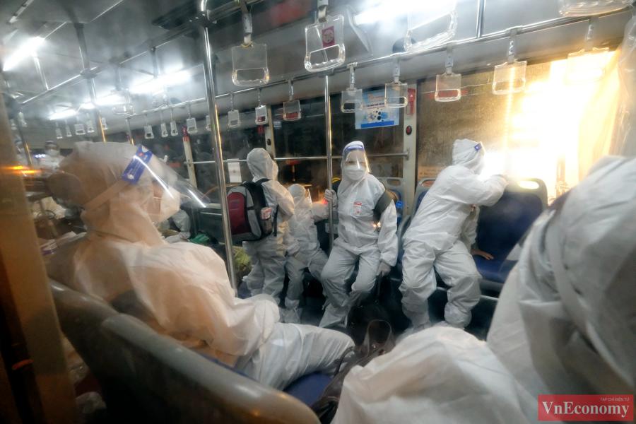 Hà Nội bắt đầu di chuyển bệnh nhân từ Bệnh viện Việt Đức sang 3 bệnh viện khác - Ảnh 3