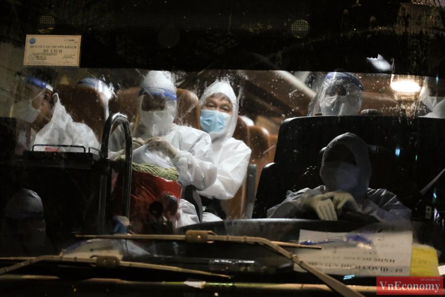 Tổng số bệnh nhân được chuyển đến Bệnh viện Thanh Nhàn trong những ngày tới dự kiến là 450 người, chuyển đến Bệnh viện Đức Giang dự kiến khoảng 350 người, đến Bệnh viện đại học Y Hà Nội khoảng 200 người...