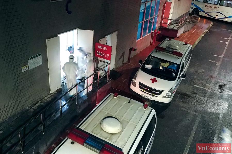 Hà Nội bắt đầu di chuyển bệnh nhân từ Bệnh viện Việt Đức sang 3 bệnh viện khác - Ảnh 8