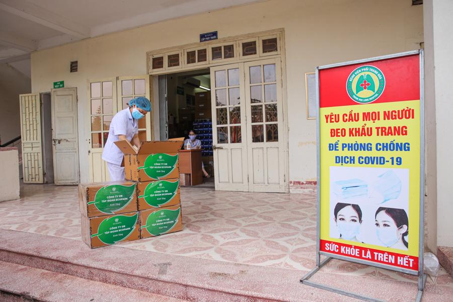 Bộ Y tế đưa thuốc Molnupiravir điều trị thí điểm F0 tại nhà có kiểm soát ở 12 tỉnh thành - Ảnh 2