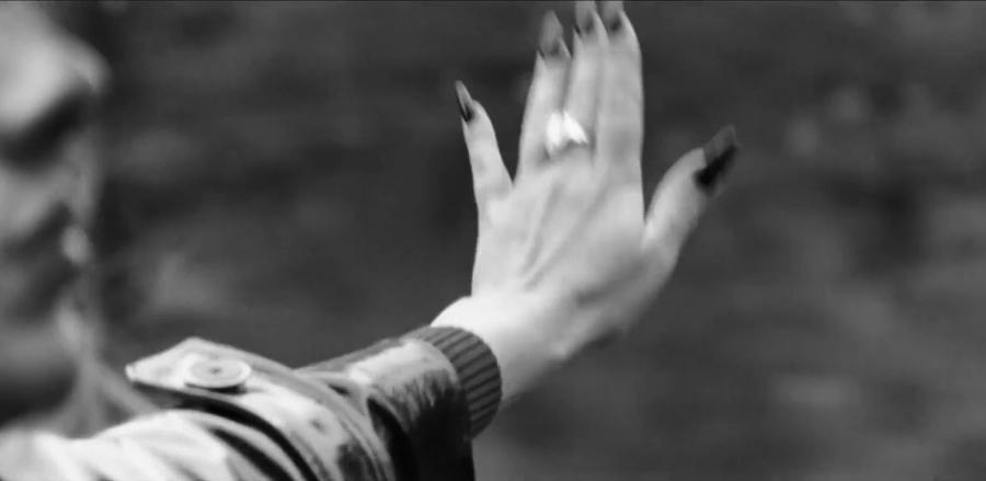 Họa mi nước Anh Adele chính thức trở lại - Ảnh 3