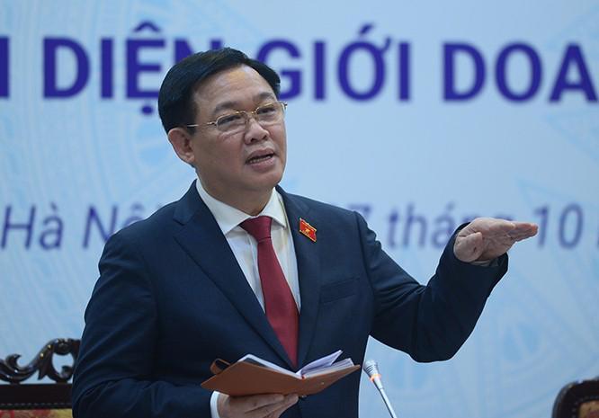 Chủ tịch Quốc hội Vương Đình Huệ tại buổi làm việc với VCCI và gặp gỡ đại diện giới doanh nhân nhân Ngày Doanh nhân Việt Nam (13/10).