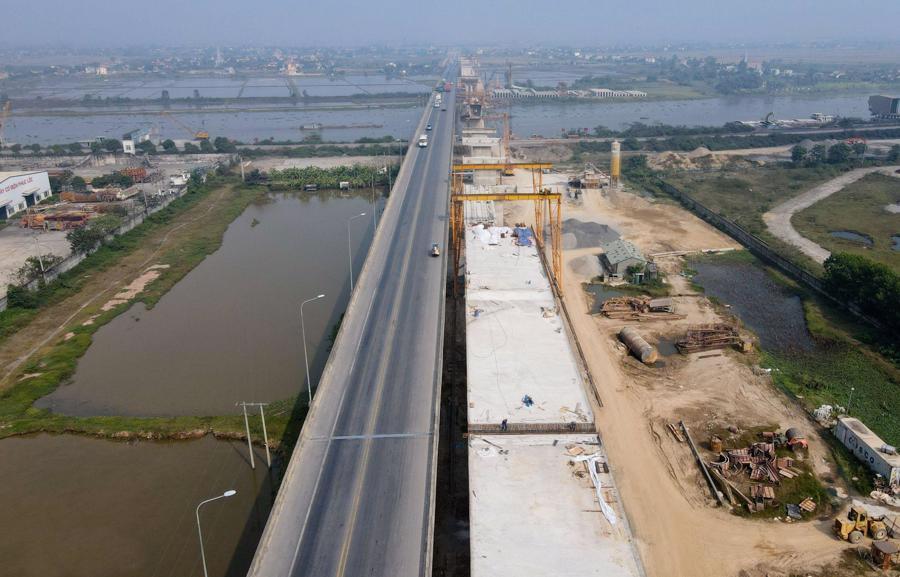 Cao tốc Ninh Bình - Thanh Hóa được đầu tư hơn 12.000 tỷ, một dự án thành phần trên tuyến cao tốc Bắc - Nam. Ảnh: Shutterstock.