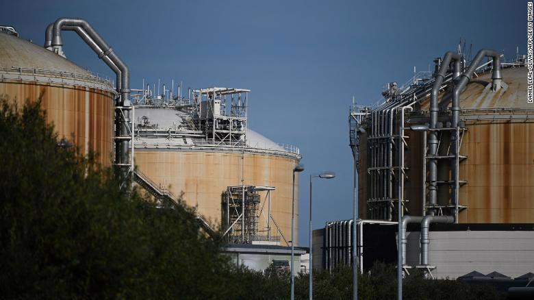 Kho chứa khí tự nhiên hoá lỏng (LNG) ở miền Đông Nam nước Anh.