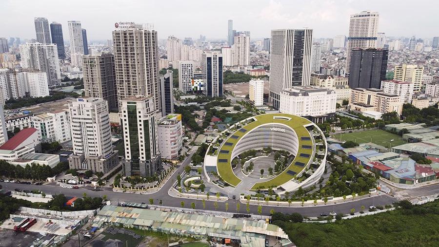 Phục hồi, phát triển kinh tế - xã hội là mối quan tâm hàng đầu của thành phố.