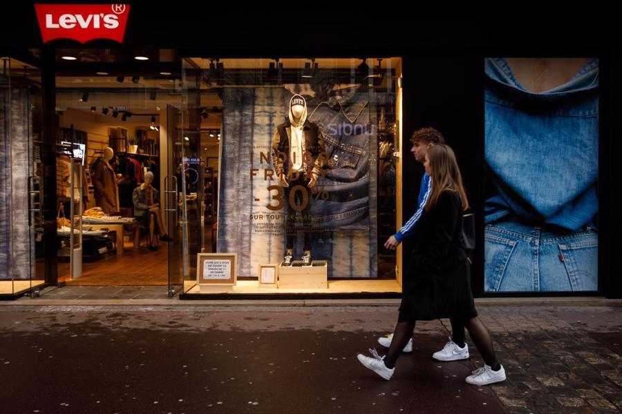 Sau những ngày đen tối do ảnh hưởng của dịch Covid-19, hãng thời trang Levi Strauss & Co (Levi's) đang đứng trước triển vọng sáng lạn.