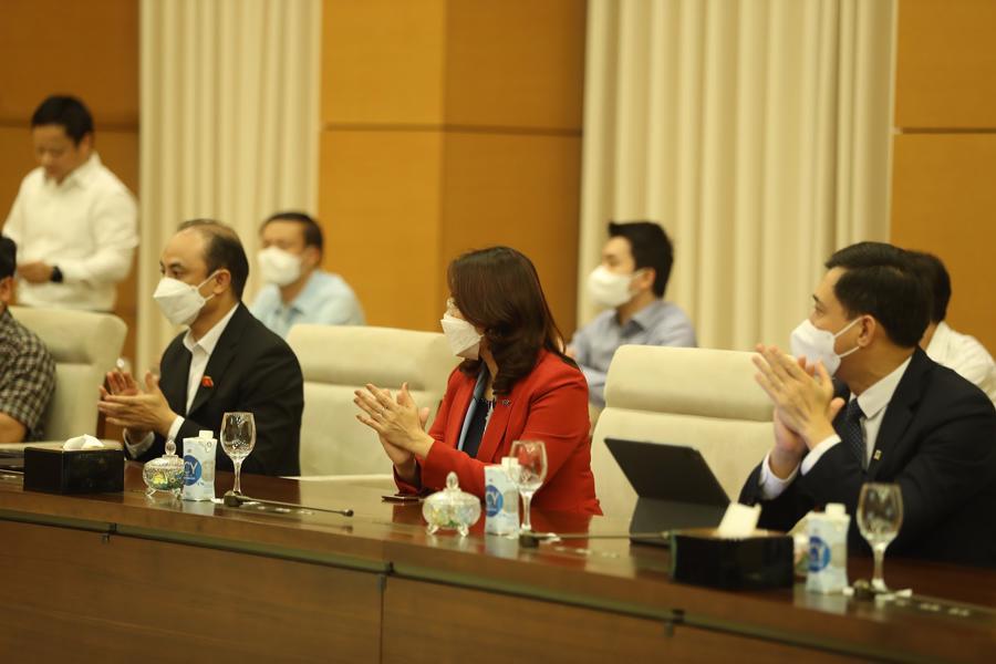 """Chủ tịch Quốc hội: """"Trong cái khó sẽ ló cái khôn"""", doanh nghiệp Việt sẽ tận dụng được cơ hội từ khó khăn - Ảnh 1"""